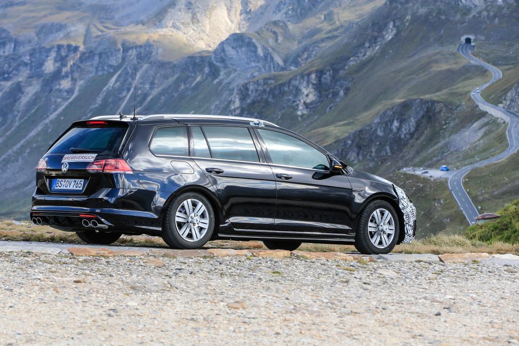 2017 Volkswagen Golf R Wagon in Black Side Profile