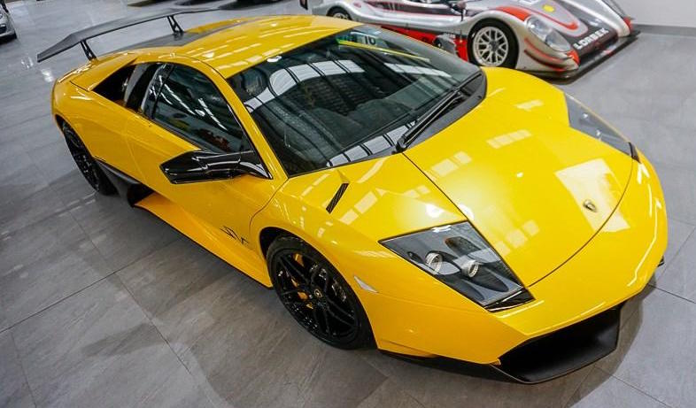Left Side Profile of Yellow Lamborghini Murcielago 670-4 SV