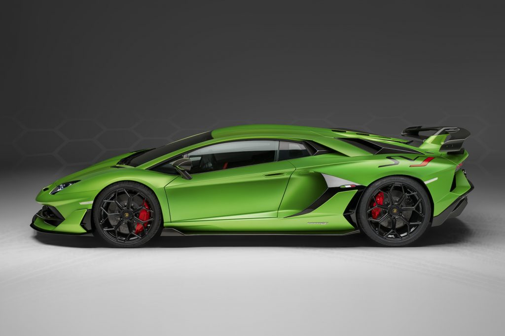 Lamborghini Aventador SVJ side profile