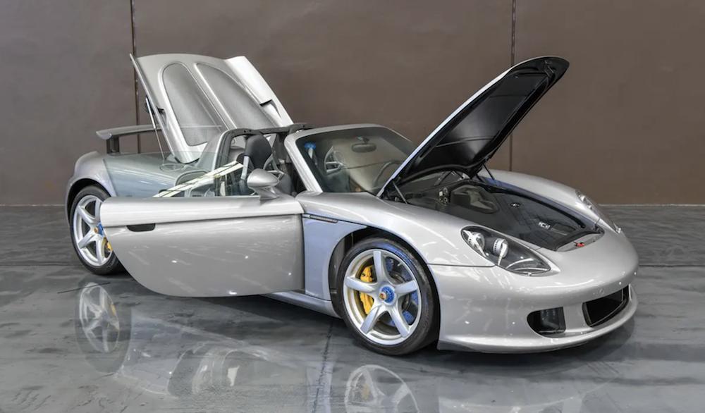 Porsche Carrera GT Open Bonnet and Open Engine Cover