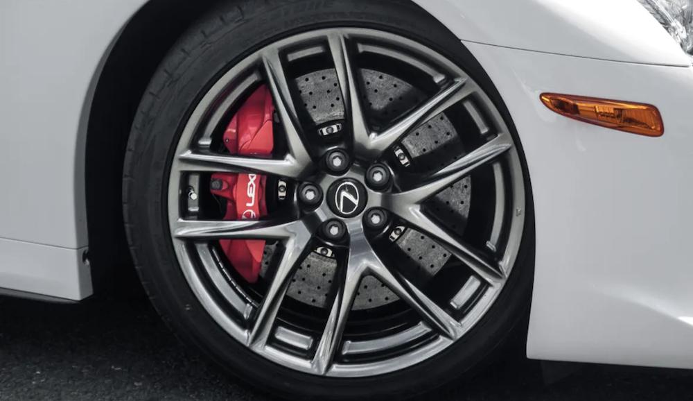 Lexus LFA Ceramic Brakes and Red Brake Calipers
