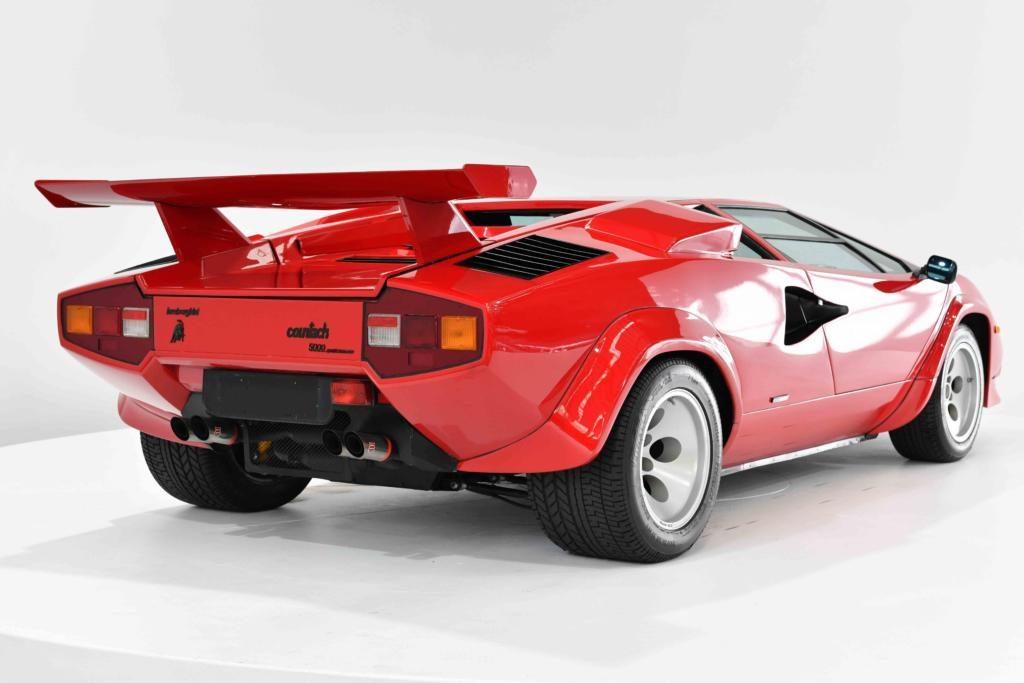 Lamborghini Countach LP5000 QV Rear Profile